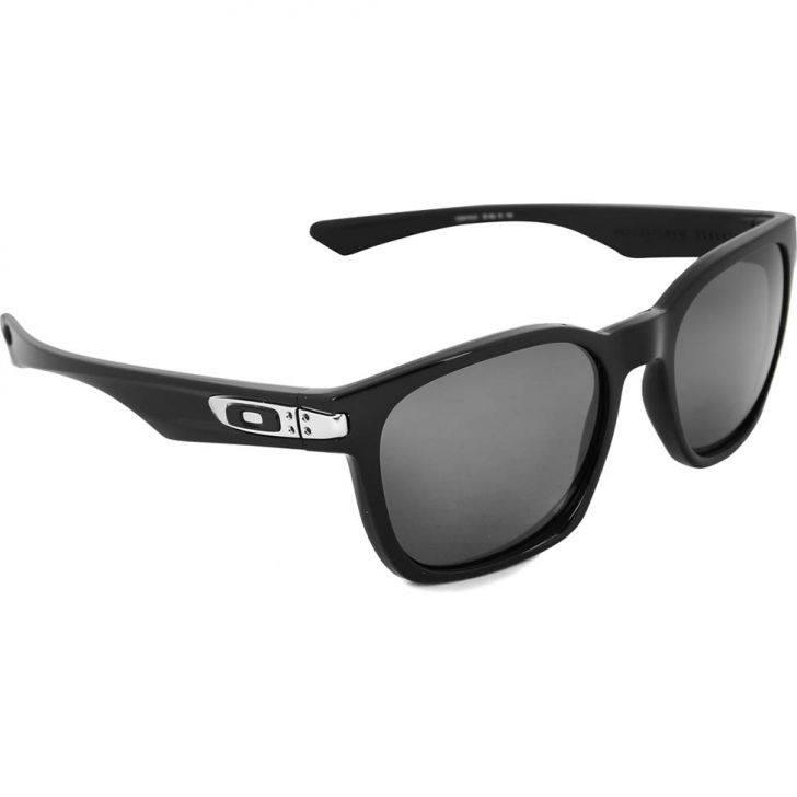 30aecdb0b28d8 Óculos Oakley Garage Rock - Armação Preto Fosco   Lente Preta   Ícone Preto
