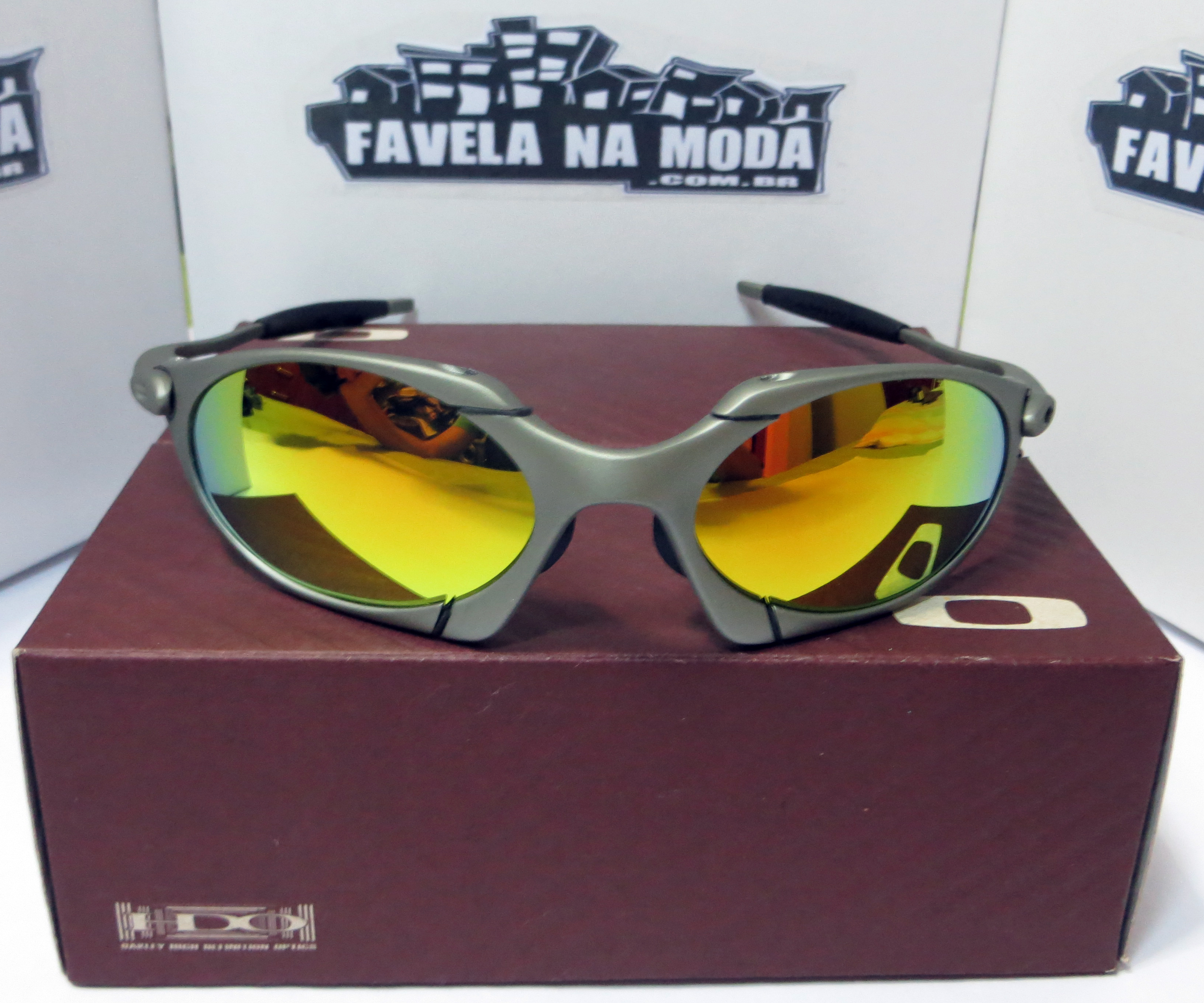 Óculos Oakley Romeo 1 - X-Metal   Gold   Borrachinhas Pretas 6e95908b95