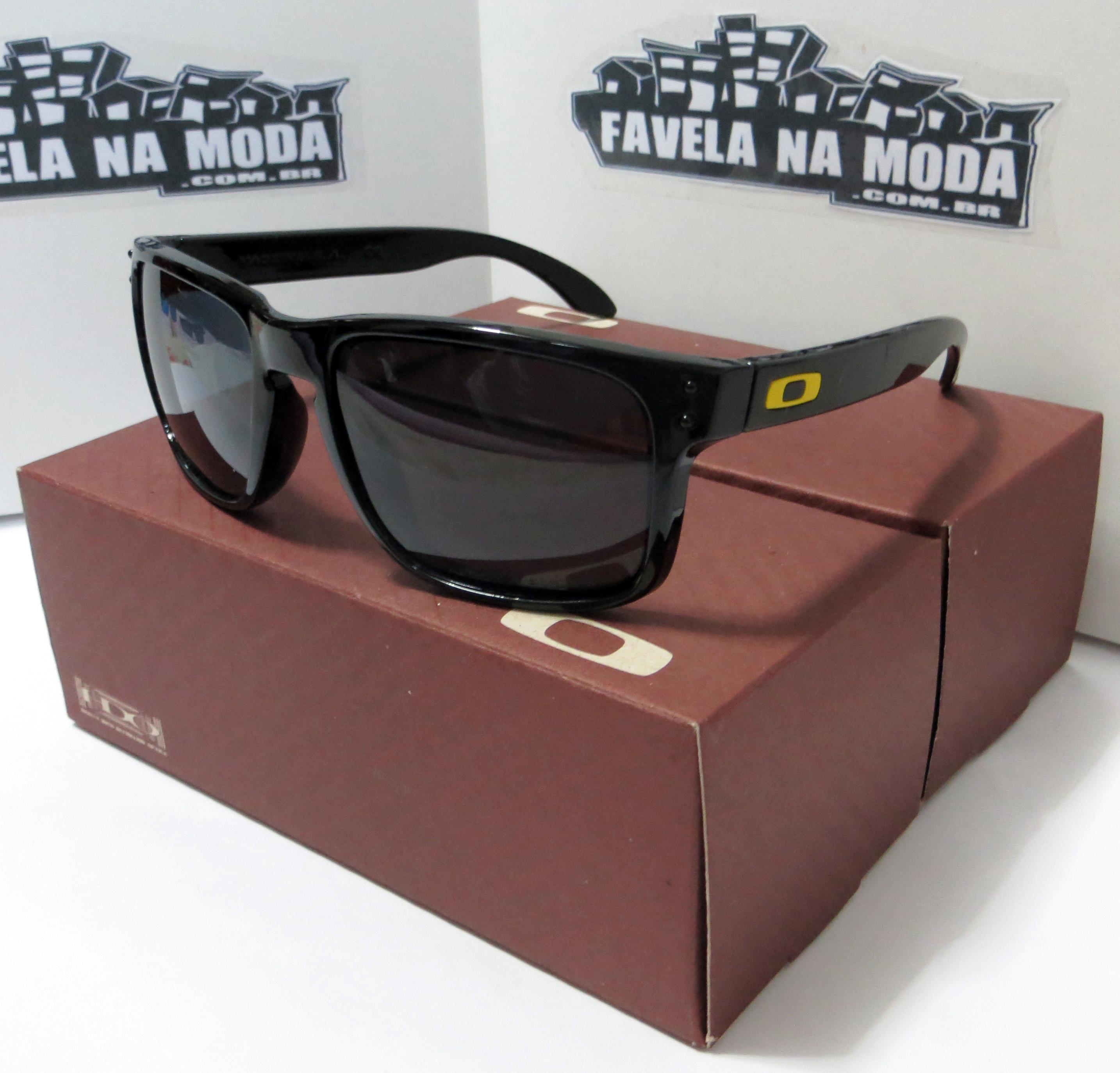 Óculos Oakley Holbrook (VR46) - Armação Preto Brilhante   Lente ... 2bc80b570d