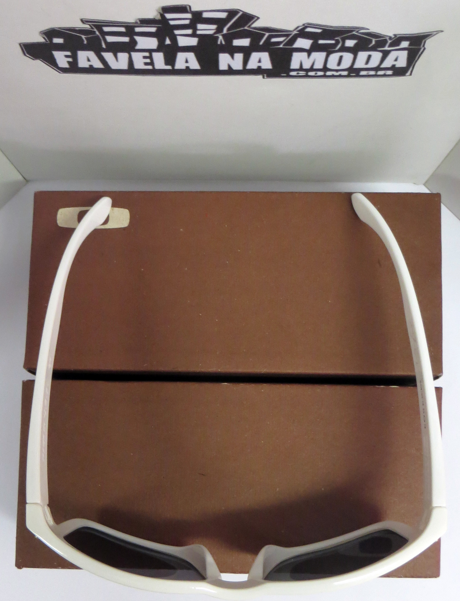 aefda751cbc0d Óculos Oakley Holbrook (White 24K) - Armação Branco Brilhante ...